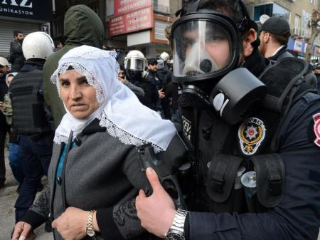 21-Turkish-riot-police-AFP-Getty
